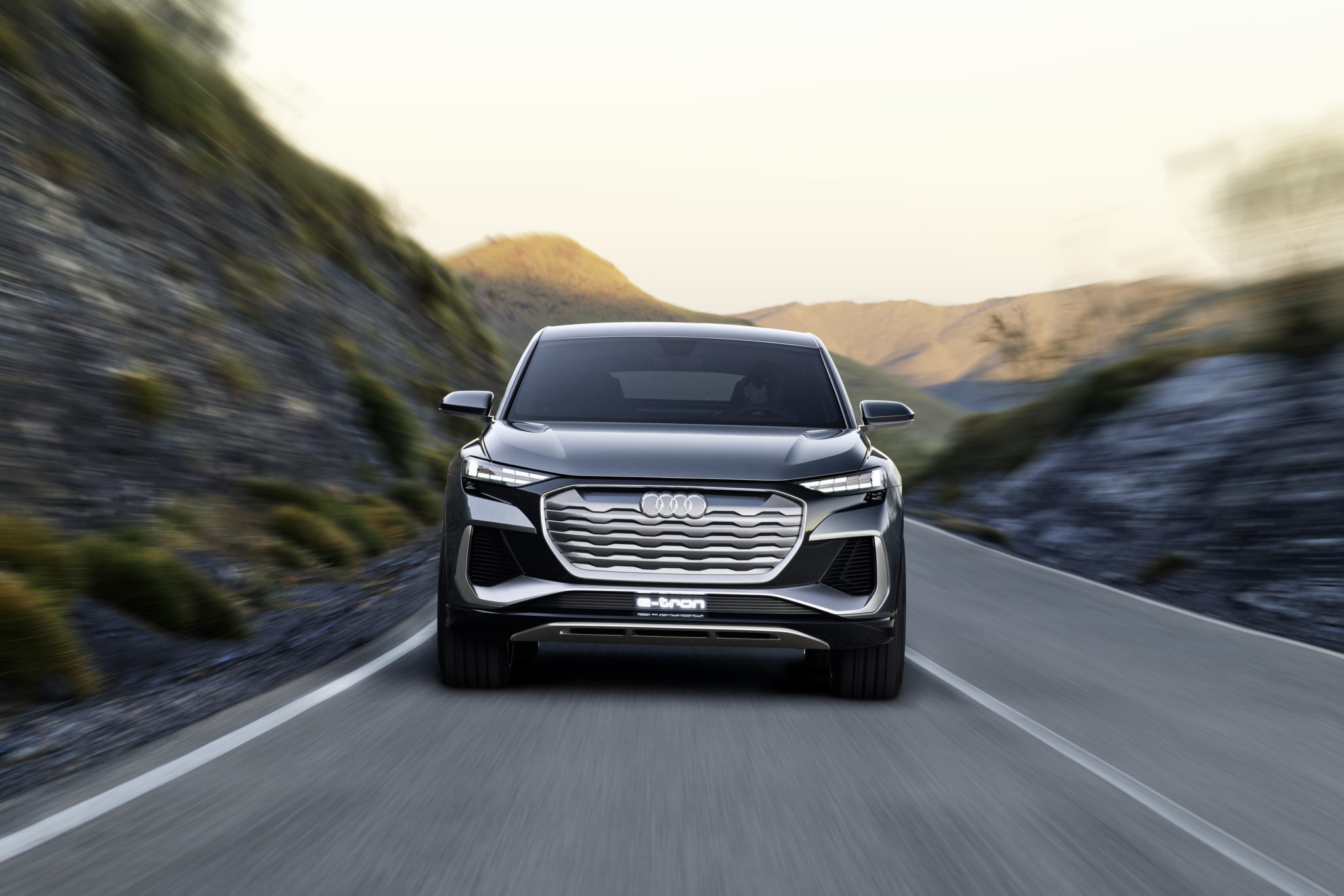 Опубликованы фотографии концептов Audi Q4 e-tron и Q4 Sportback e-tron