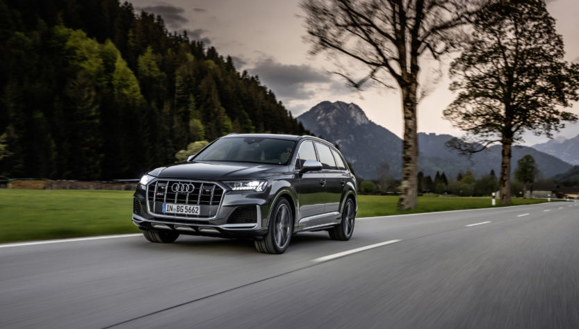 Audi SQ7 и SQ8 не выезжают из 4 секунд: опубликованы технические характеристики