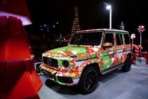 Mercedes запустил лимитированную новогоднюю серию свитшотов