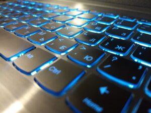 Около половины полисов ОСАГО в России куплены в интернете