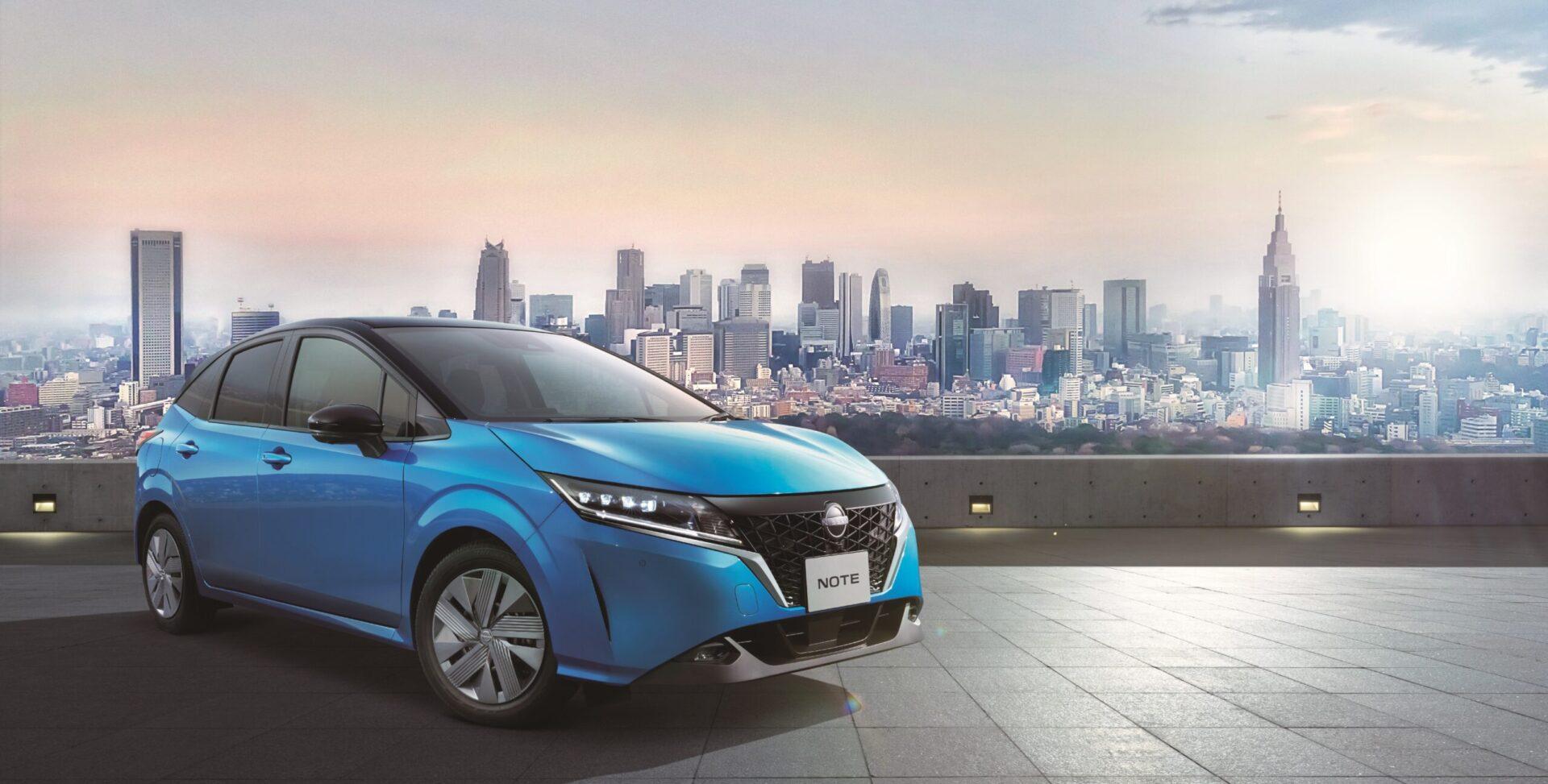 Nissan за месяц продал в два раза больше электромобилей, чем планировал