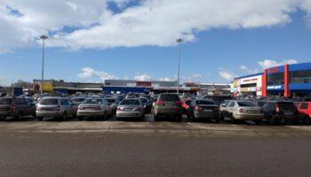 Падение автомобильного рынка спровоцировала попытка «дилеров» навариться