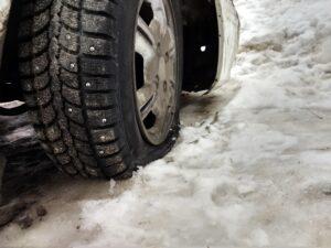 Специалист МАДИ в РФ перечислил автомобилистам попутные работы при замене резины на летнюю