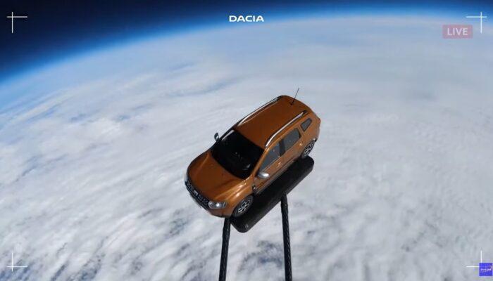Запуск в космос кроссовера Duster показала на видео компания Dacia