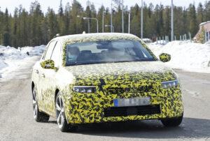 Фотографии нового Opel Astra опубликовали японские фотошпионы