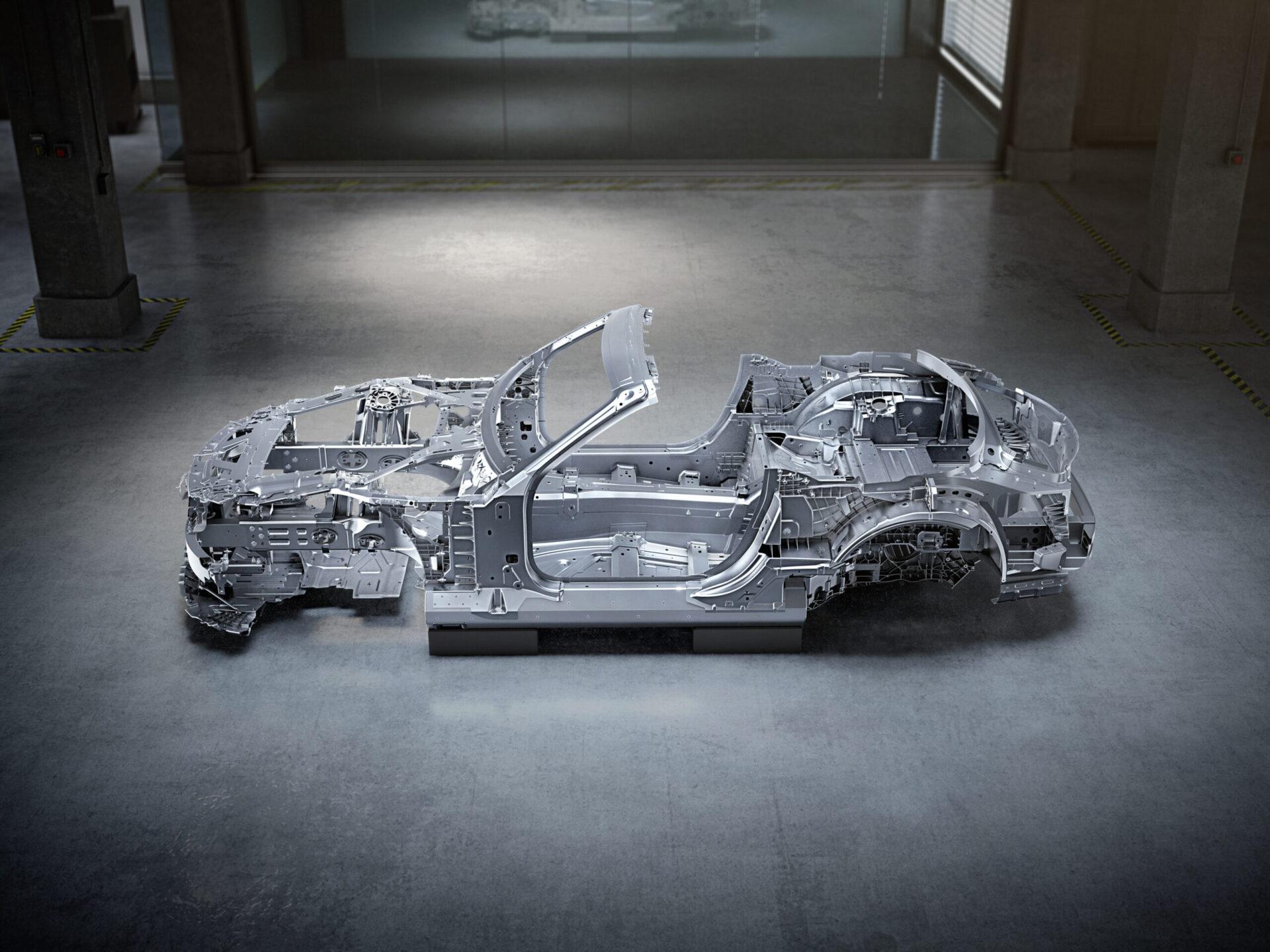 Новый родстер Mercedes-AMG SL получит абсолютно новый несущий кузов