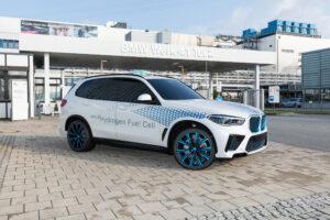 Водородный BMW X5 появится в 2022 году