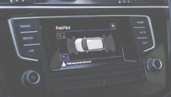 Stellantis и Foxconn создадут совместное предприятие для разработки цифровых бортовых систем в автомобилях
