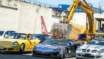 Таможенное управление Филиппин раздавило McLaren 620R за 34 млн долларов
