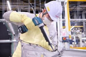 Машины Toyota после 2035 года могут перестать красить
