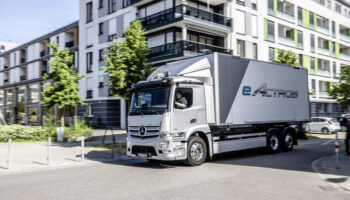 Производство первого электрического грузовика Mercedes eActros стартует осенью 2021 года