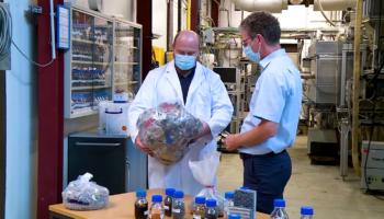 Audi планирует делать пластиковые детали из переработанных материалов