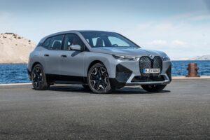 Сколько стоит новый электромобиль BMW iX: в России от 8,5 млн рублей