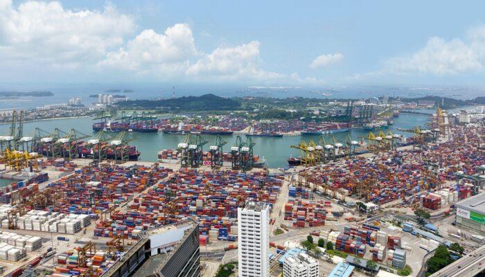 Импорт автомобилей на Дальний Восток из Японии и в Россию из США с 1 июля станет сложнее