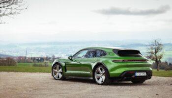 Porsche перечислил пять самых продаваемых моделей в мире по итогам первых 6 месяцев 2021 года