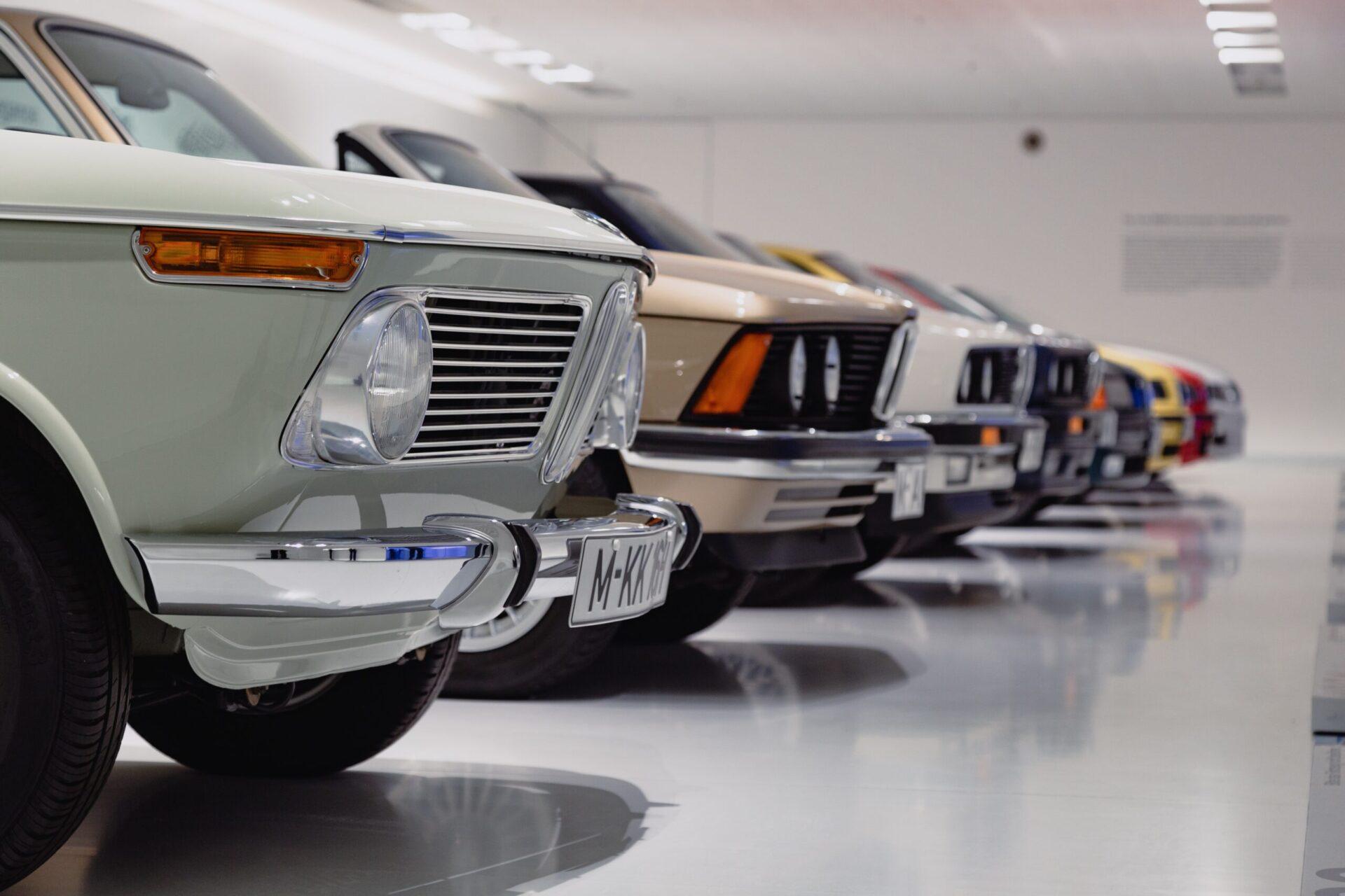 Автостат: В РФ покупатели новых автомобилей старше покупателей авто с пробегом