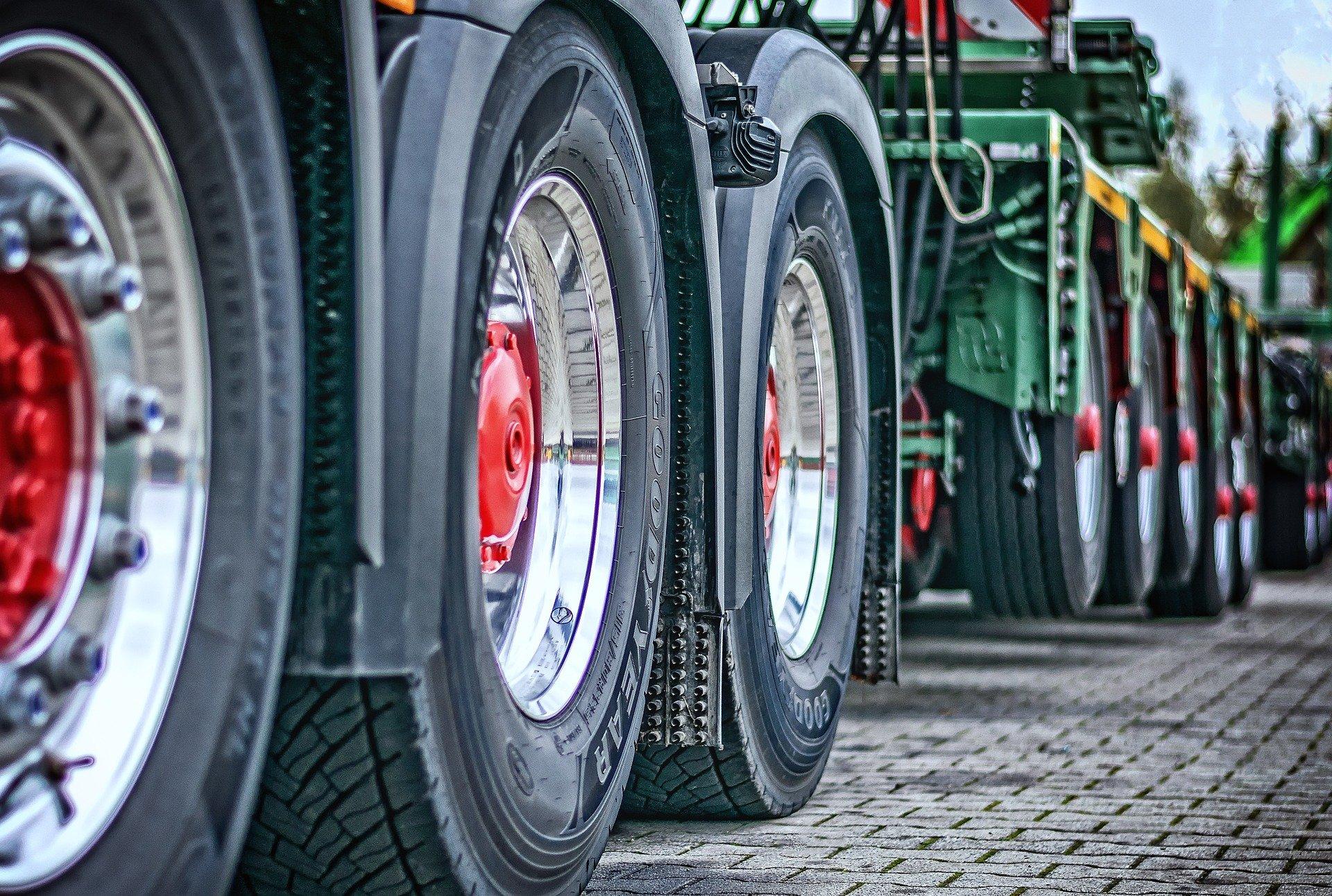 Самые популярные в России марки грузовиков в 2021 году перечислили аналитики «Автостата»