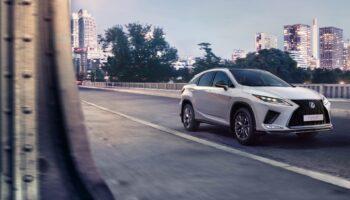 Премьера нового Lexus LX откладывается из-за нехватки электронных компонентов в 2021 году