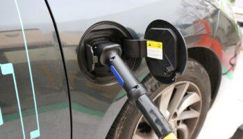 Власти Германии провалили план по электромобилям в 2020 году