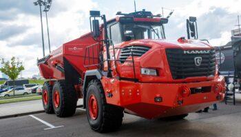 КАМАЗ показал самый мощный 35-тонный гибридный самосвал КамАЗ-6561 «Геркулес»