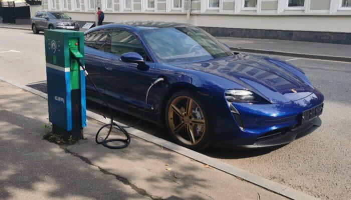 Деньги на покупку электромобилей банки выдадут гражданам в РФ на льготных условиях