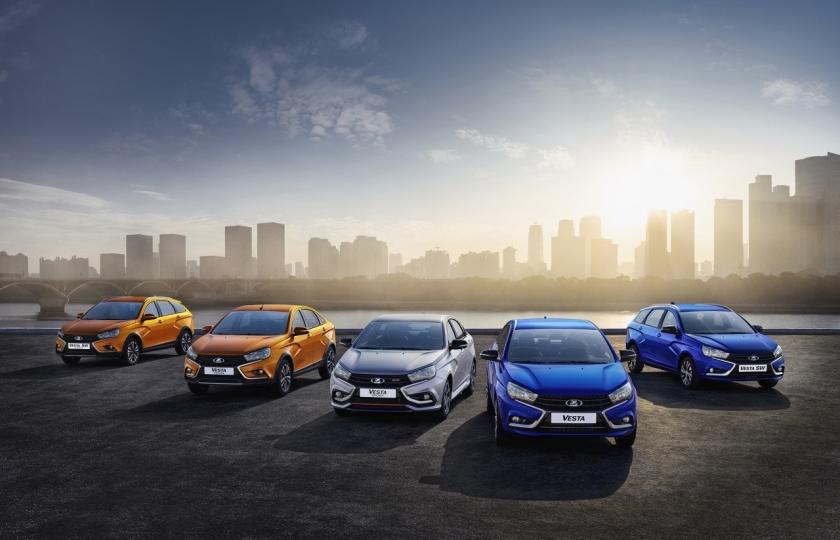 Продажи автомобилей LADA снизились на 32,6% в августе 2021 года