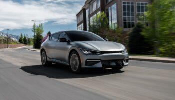 Компания KIA привезет в Россию электрокар EV6 в 2022 году