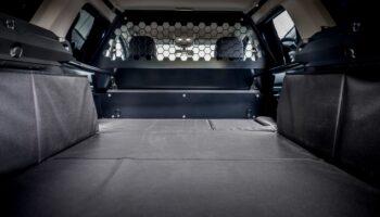 Заводской коммерческий фургон Dacia Duster дебютировал в обновленном кузове в Британии