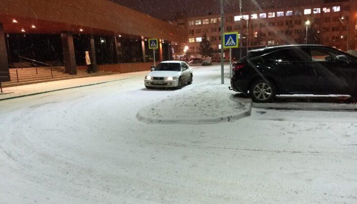 Водителям в России перечислили 10 частых ошибок при эксплуатации автомобиля зимой