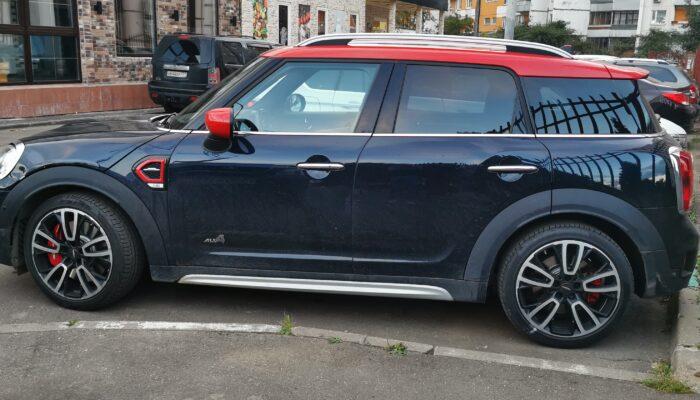 Дилеры в России могут накручивать на продаже автомобиля до 50% рекомендованной цены