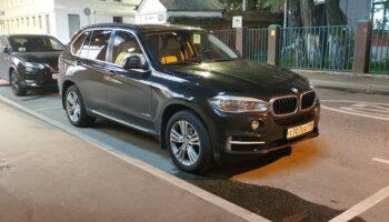 Автоэксперт Удалов посоветовал гражданам в РФ отложить покупку автомобиля на 1-2 года